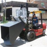 3 ton Hyundai Diesel Forklift Lampiran Bucket Berengsel Garpu Dan Bucket